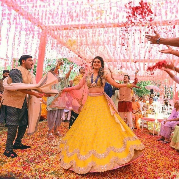 Hindi Wedding Songs: What Are The Best Hindi Songs For Sister Weddings?