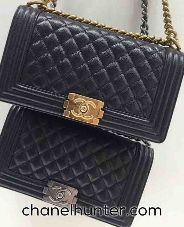 b6626f5680 Chanel Replica bags do look not only beautiful, fancy, and elegant, but  also similar to the original ones. It is quite a task to tell the  difference between ...