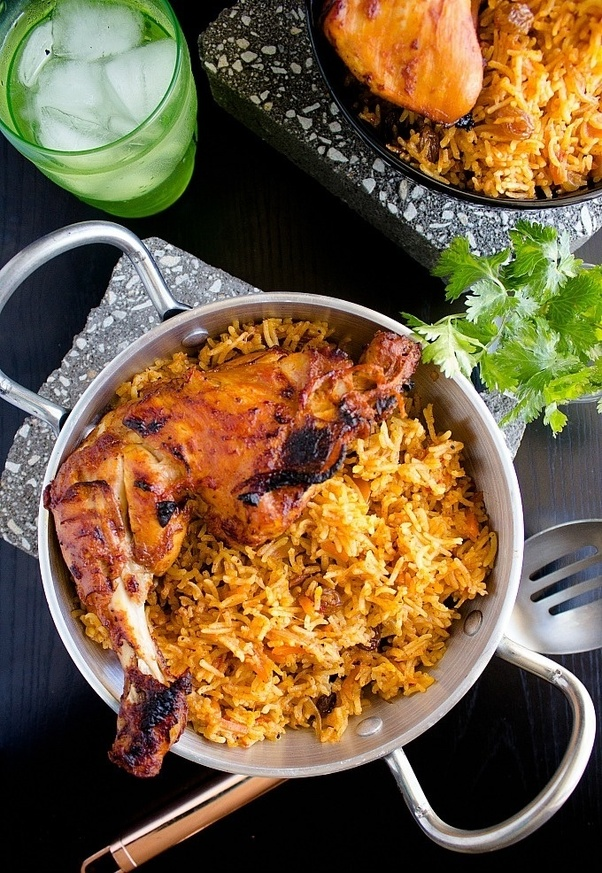 Kabsa Rice with Chicken Arabic Saudi Recipe in Urdu Hindi ...
