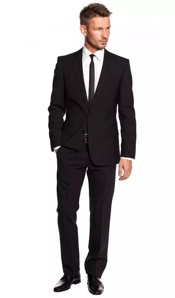 Welche Farbe Sollte Ein Oberteil Haben Damit Es Zu Schwarzen Hosen