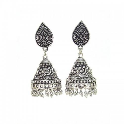 how to choose earrings for saree