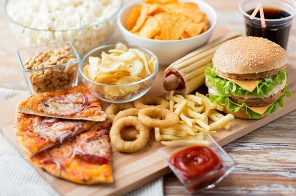 what is difference between fast food and junk food quora