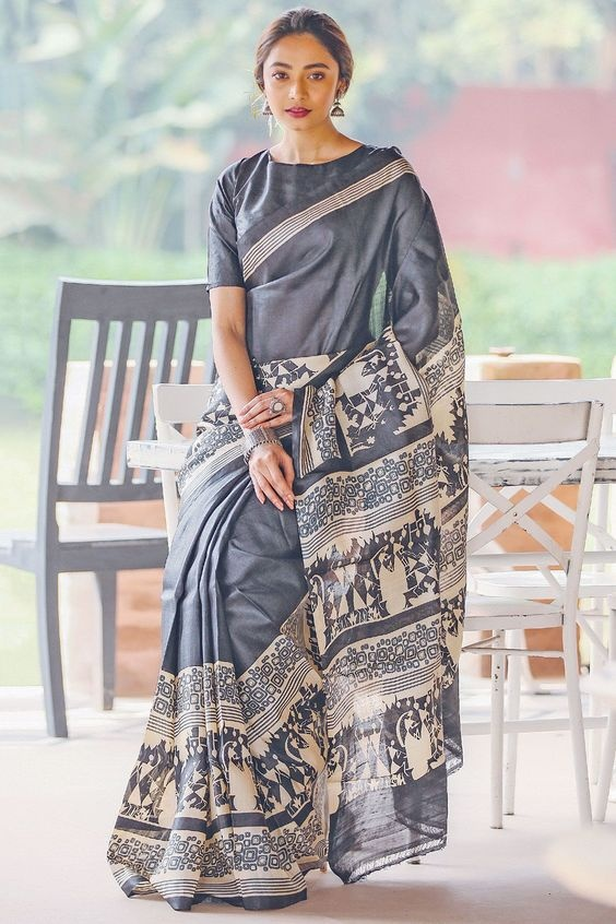 92fe8c459b What can be tips for a fat girl for wearing saree? - Quora