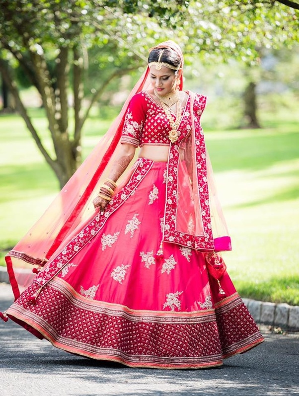 4bea34cffc90 Form the best place to Buy Designer Bridal Lehenga Online India.