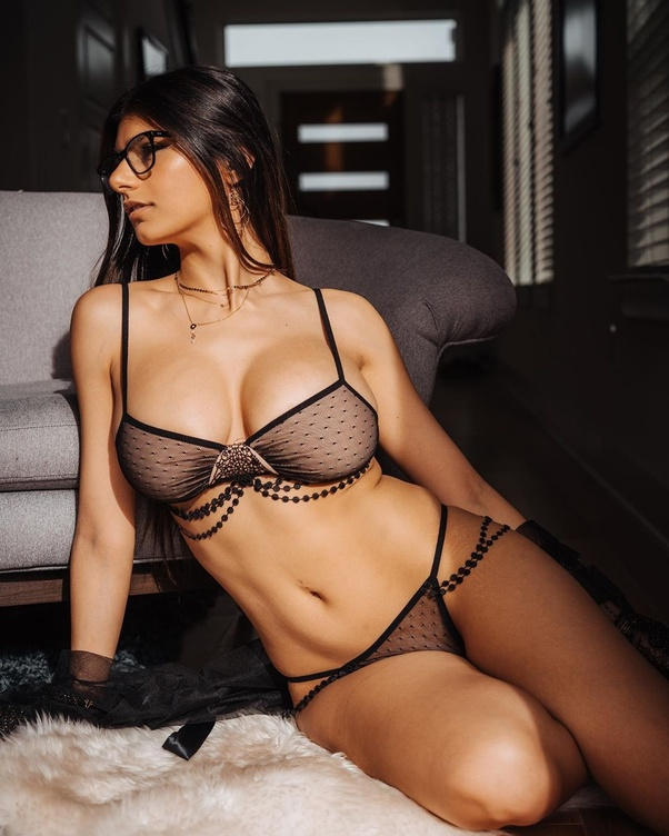 Who is Mia Khalifa? Can you show her photos? - Quora
