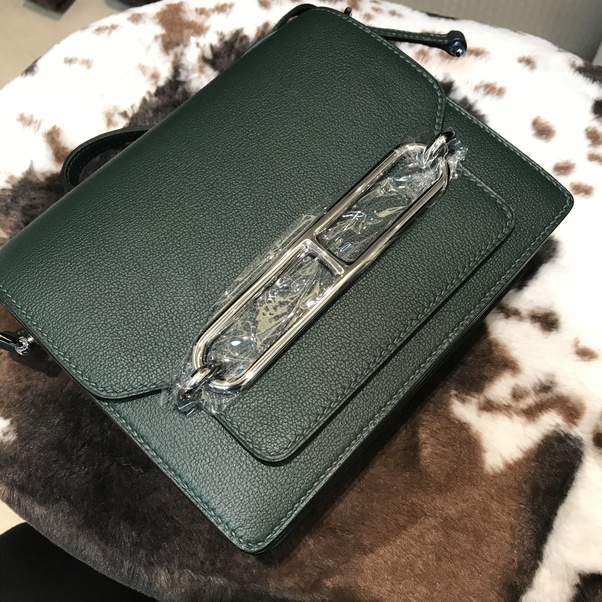 ddfac6310408 I also bought Lady Dior bag !! I'm already their VVIP haha! I bought some  Gucci clothes as New Year gifts this time. Hope I could receive them soon️️