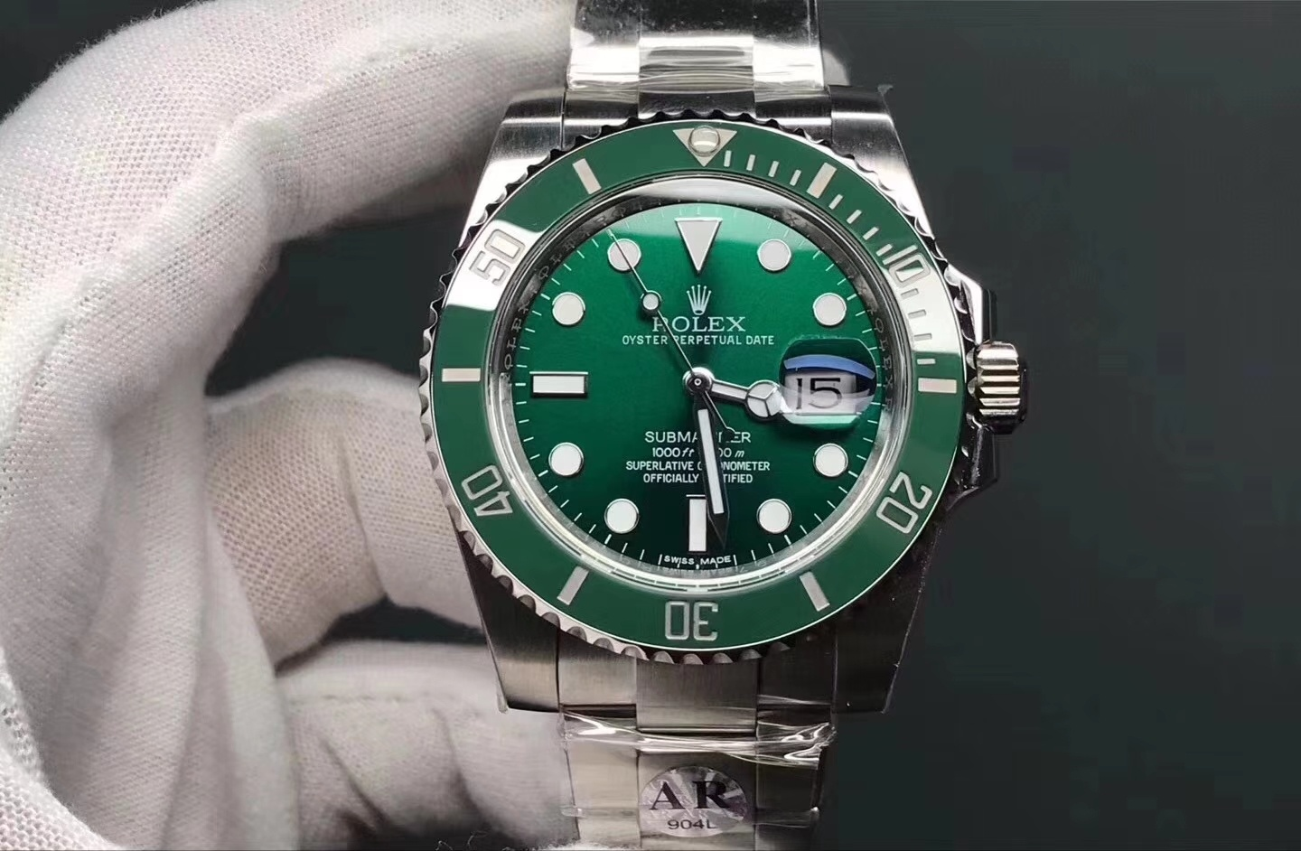 Where can I find Chinese fake watch wholesalers? I want to sell in