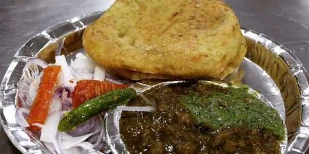 Where are the best places to try vegetarian street food in new delhi kulcha junction connaught place forumfinder Choice Image