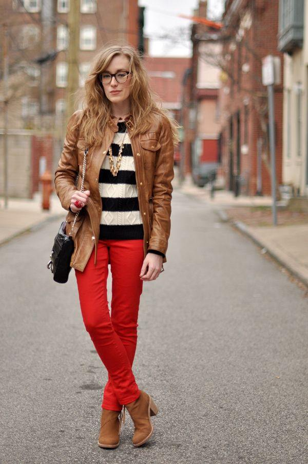 What colour tops should I wear with red jeans? - Quora