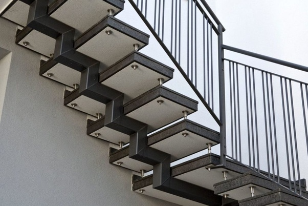 How to design a cantilever staircase? The staircase