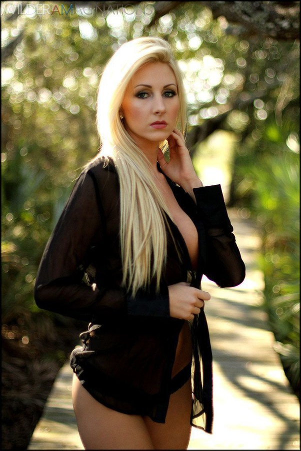 What are some stunning photos of the model Brittany Hawks
