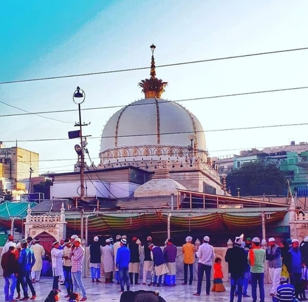 What is the history of Ajmer Sharif Dargah? - Quora