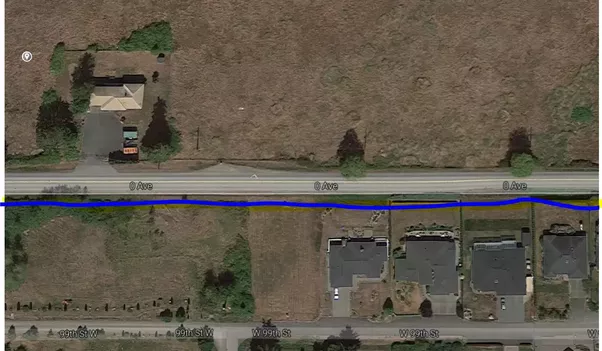 here ive highlighted the border for you above the blue line is canada below is the usa google maps