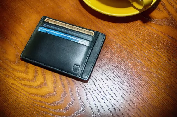 Which is the best men's wallet?