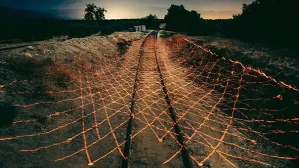 Is the complete India-Pakistan border fenced? If not, why ...