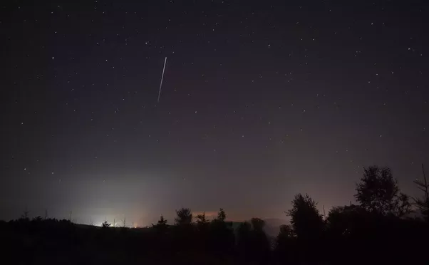 Are There Any Satellites Visible From Earth By The Naked Eye Quora - Satellite from earth