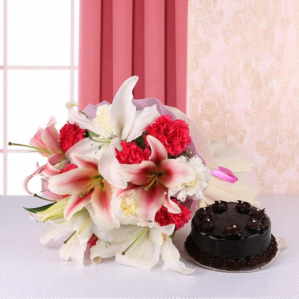 How to buy best flowers and cakes for birthday delivery in Bangalore ...