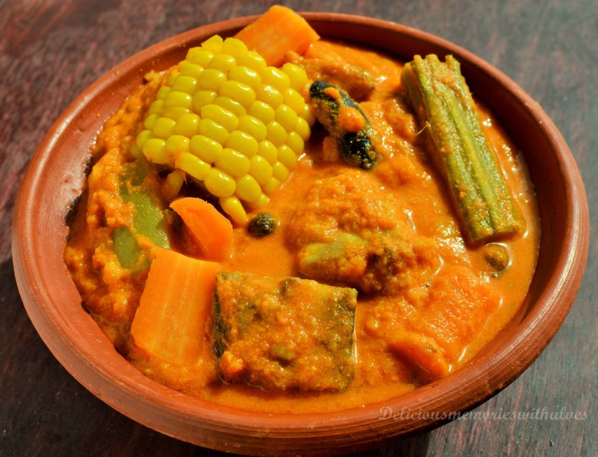 Can someone suggest famous Goan vegetarian dishes that I can try in