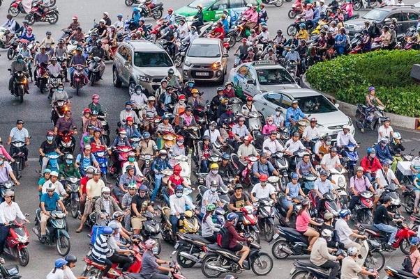Q: Là một người Trung Quốc, bạn nghĩ gì về tương lai của nền kinh tế Việt Nam so với các nước Đông Nam Á khác? 36