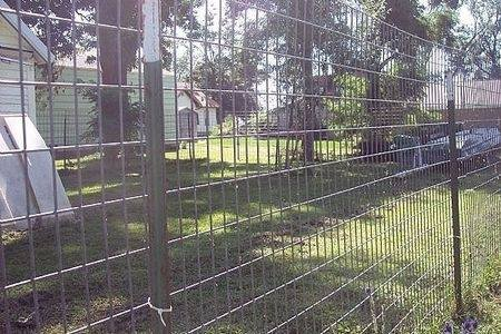 Are There Any Easy To Set Up Large Dog Proof Dog Fences