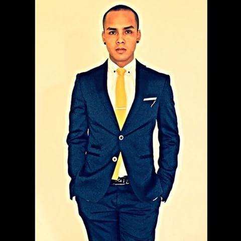 What colour pocket square complements a navy suit white for Shirt color navy suit