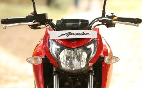 What should I buy, the Apache RTR 160 4V or the Suzuki