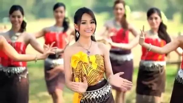 Ethnic Vietnamese 82