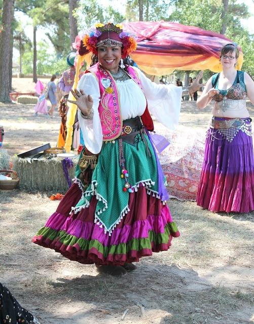 Am I a bohemian. Bohemian personality traits. Modern bohemian lifestyle. Bohemian beliefs. Are you a bohemian. Boho attitude. How bohemian are you. Quirky Bohemian Mama. #bohemian #boho #bohemianlifestyle