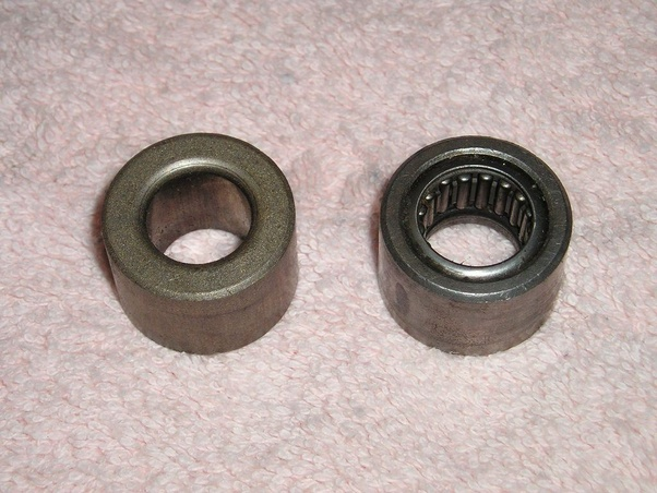 What is difference between a bushing and a bearing? Where is