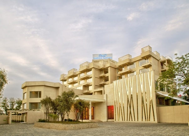 What Are Some Best Hotels Near Jaipur Airport Quora