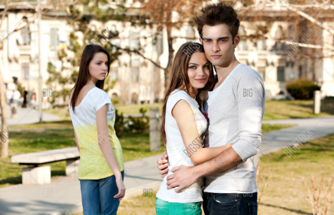 invite a girl with friend before dating her