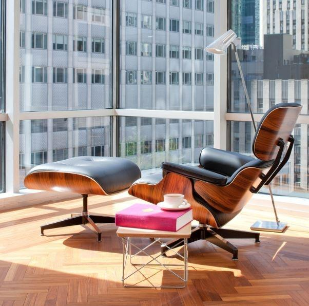 Eames Lounge Chair Made With The Plainest Of Materials, Plywood, Exposed In  A High End Luxury Furniture Set. Amazing. Beautiful. And Also Comfortable  And ...