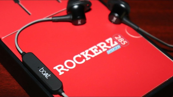 Which is the better wireless earphone, boAt Rockerz 255 or