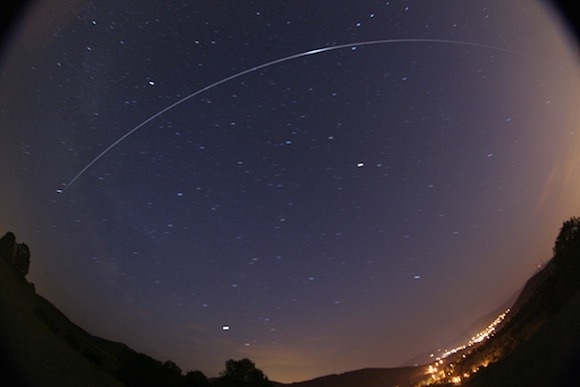 Is It Possible To See An Artificial Satellite From Earth Quora - Satellite from earth