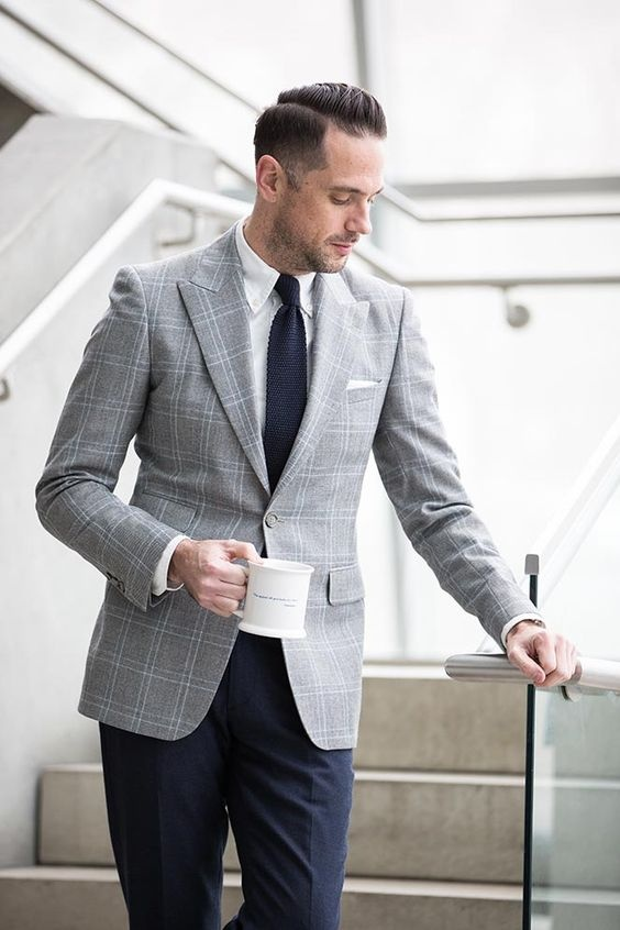 what are the top 5 business casual outfits for men for the