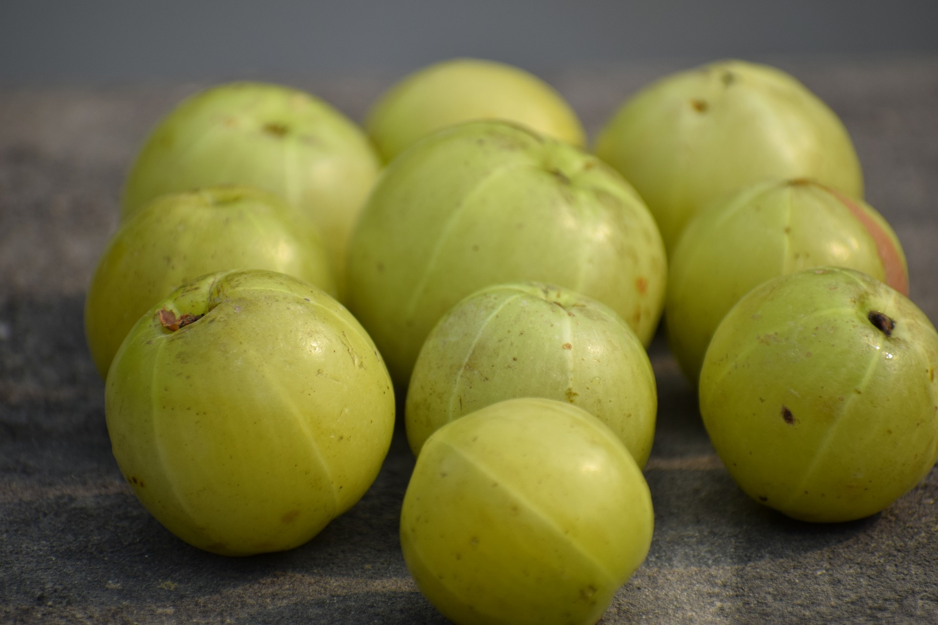 what are the health benefits of amla (indian gooseberry