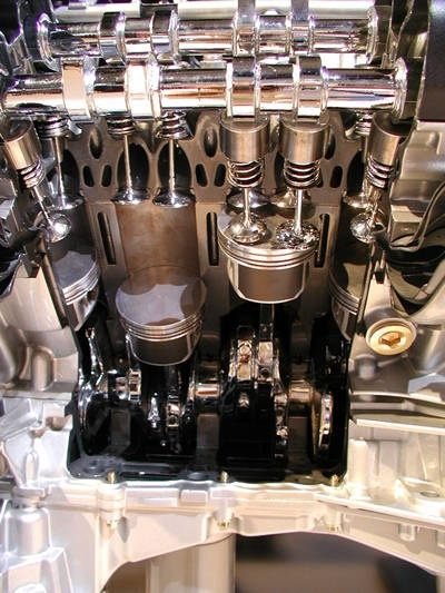 Which cars use 4 valves per cylinder, in which inlet and ...