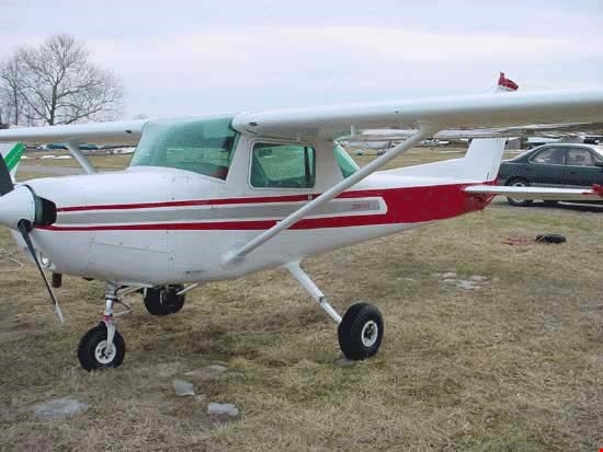 What are the major differences between the Cessna 150 and Cessna 152