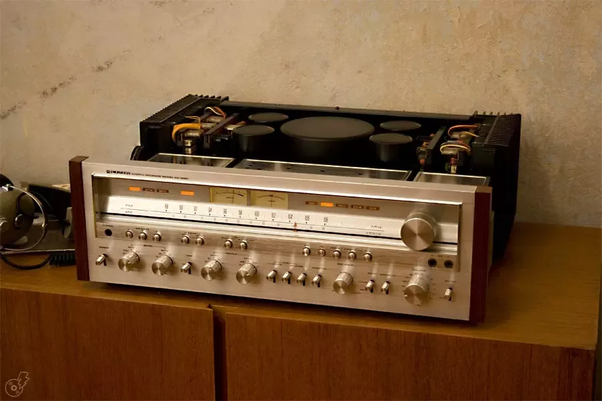 What are the advantages of having vintage amplifiers +