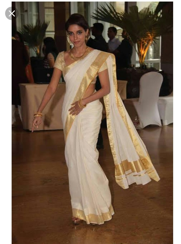 df1977d02fe What are the different styles of draping sarees in India? - Quora