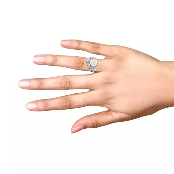 On which finger should I wear pearl ring Quora