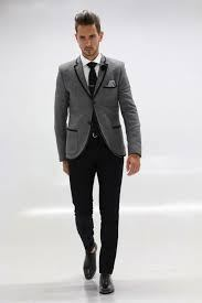 Which color blazer will suit on black shirt and black trousers ...