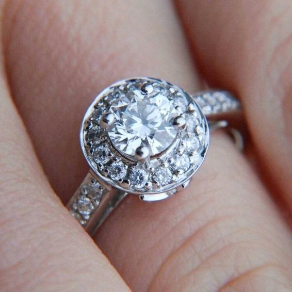 Weddings What type of engagement rings look good on a small or