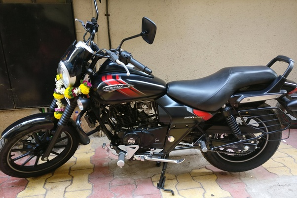 Does Bajaj Avenger 220 Cruise have a frequent skidding issue? I