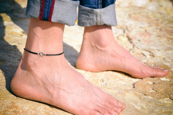 951150046 Can men wear an anklet? - Quora