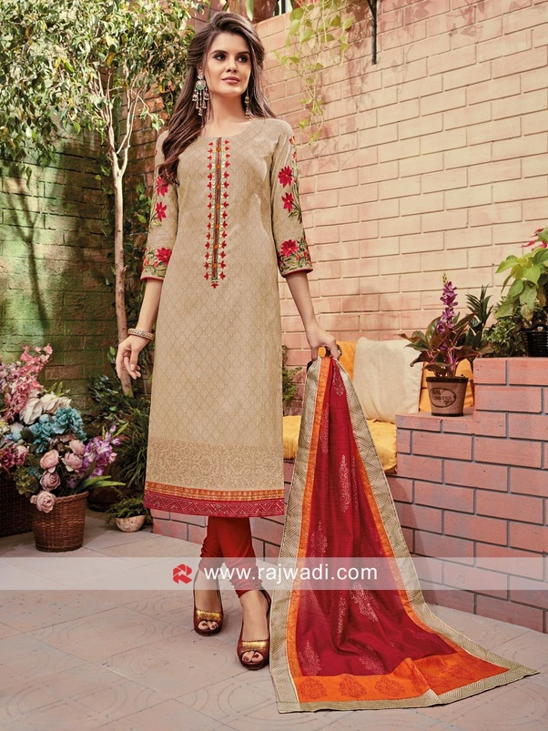 fc144ad9760 A simple ethnic silhouette will be an ideal choice for this interview below  are few references