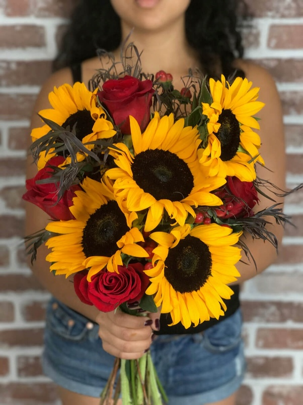 What are the different styles of flower bouquets? - Quora