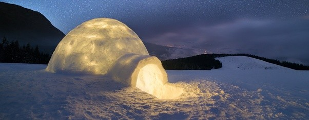 how do people live in igloos do they feel cold inside. Black Bedroom Furniture Sets. Home Design Ideas