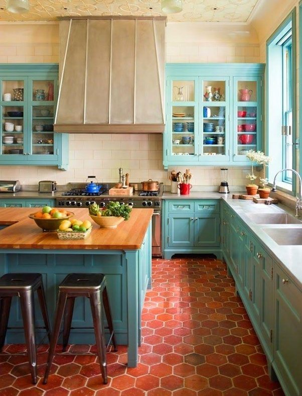 Which color combination(s) of kitchen cabinets goes well with red ...