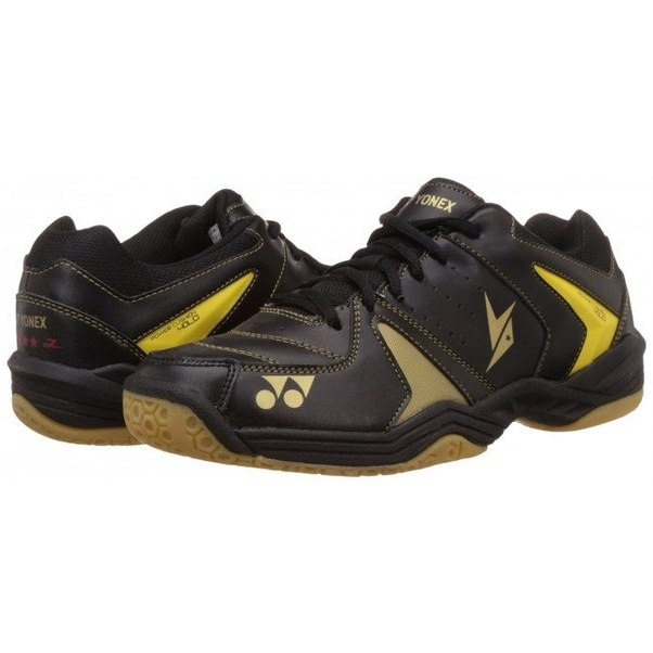 808469fa4 What is the difference between a squash shoe and badminton shoe  Can ...